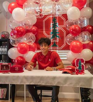 Ari Patu signs his early letter of intent to Stanford