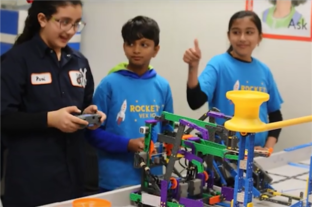 Riverview STEM Academy robotics team members