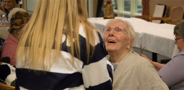 PHOTOS: Folsom, Vista students serve seniors for the holidays